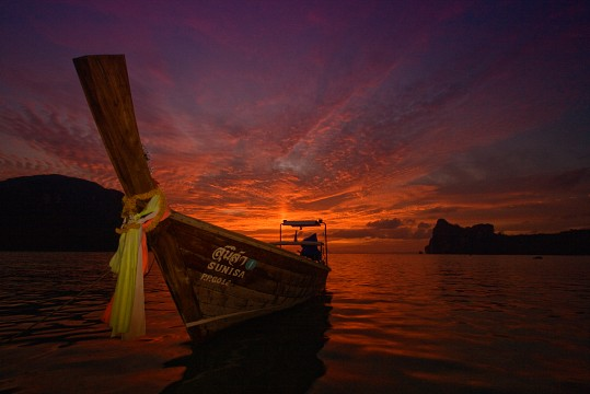 Long-tail boat - Koh Phi Phi