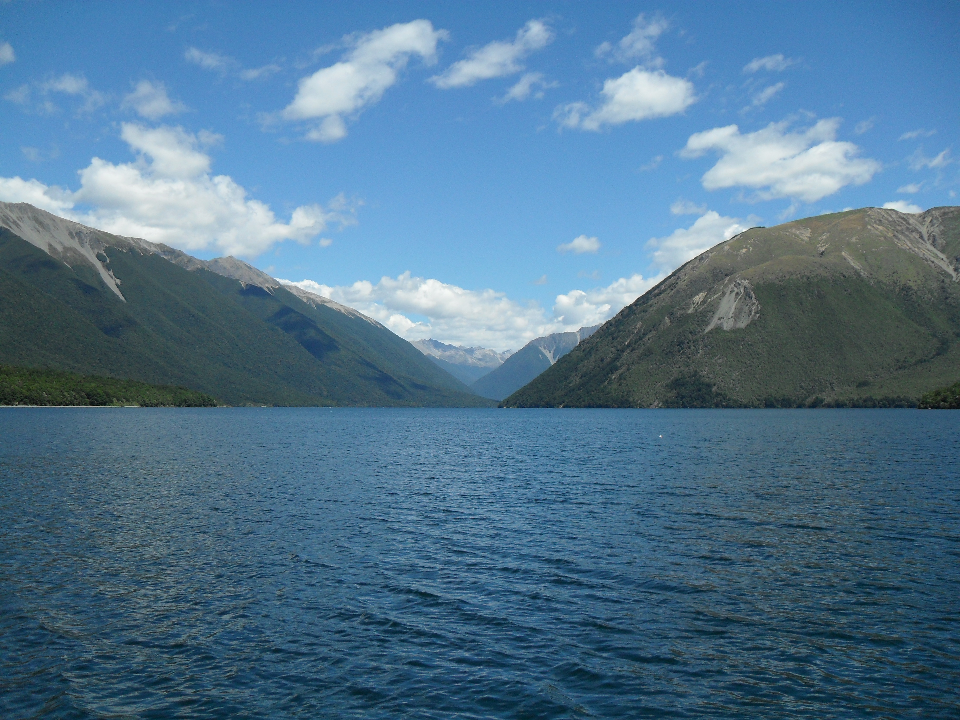 Lake Rotoiti - Lake in New Zealand - Thousand Wonders