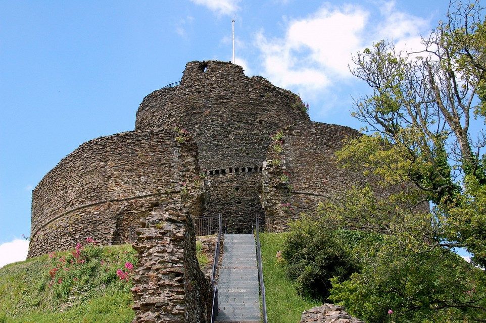 Launceston Castle - Launceston Castle