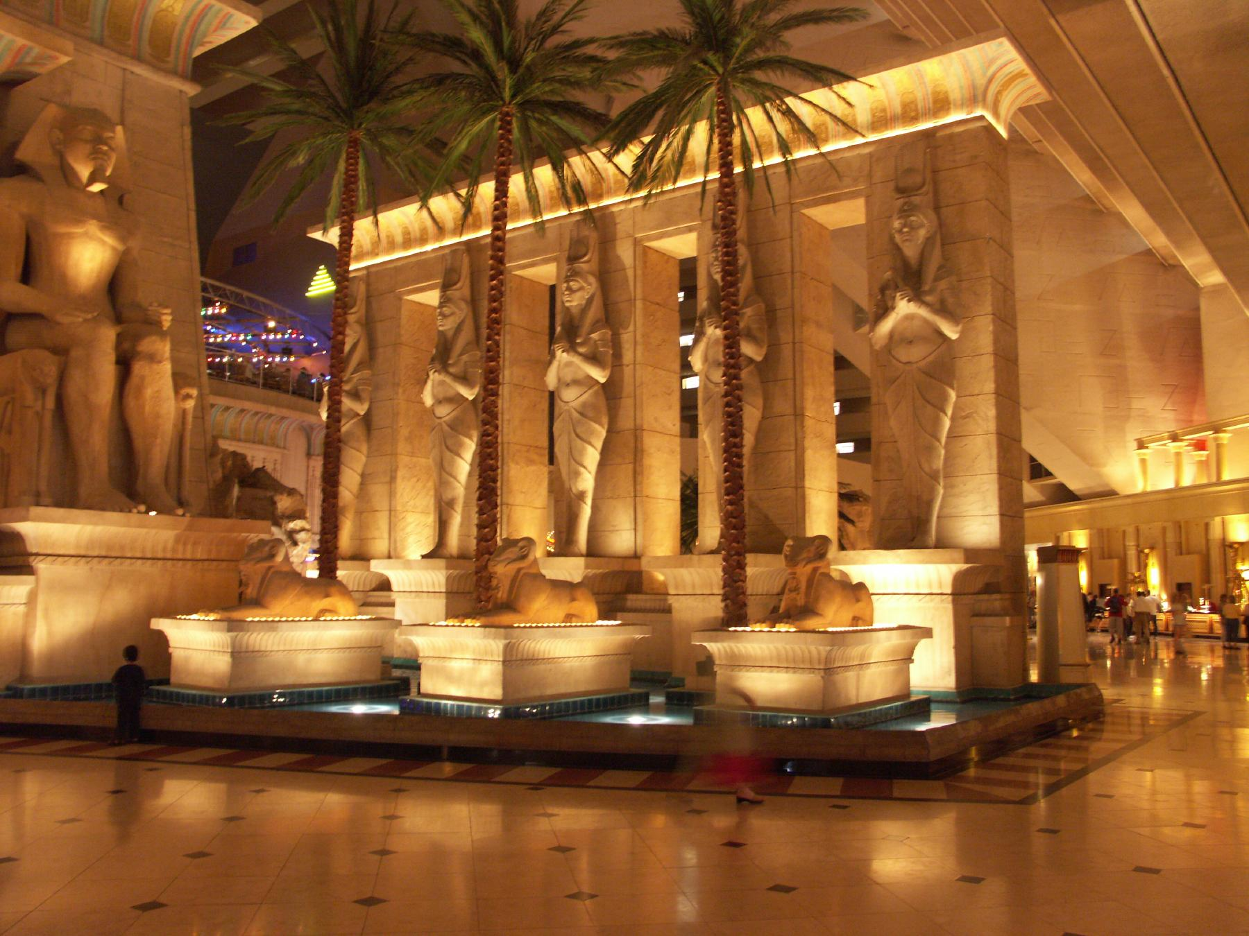 The luxor hotel and casino in las vegas casa casino night
