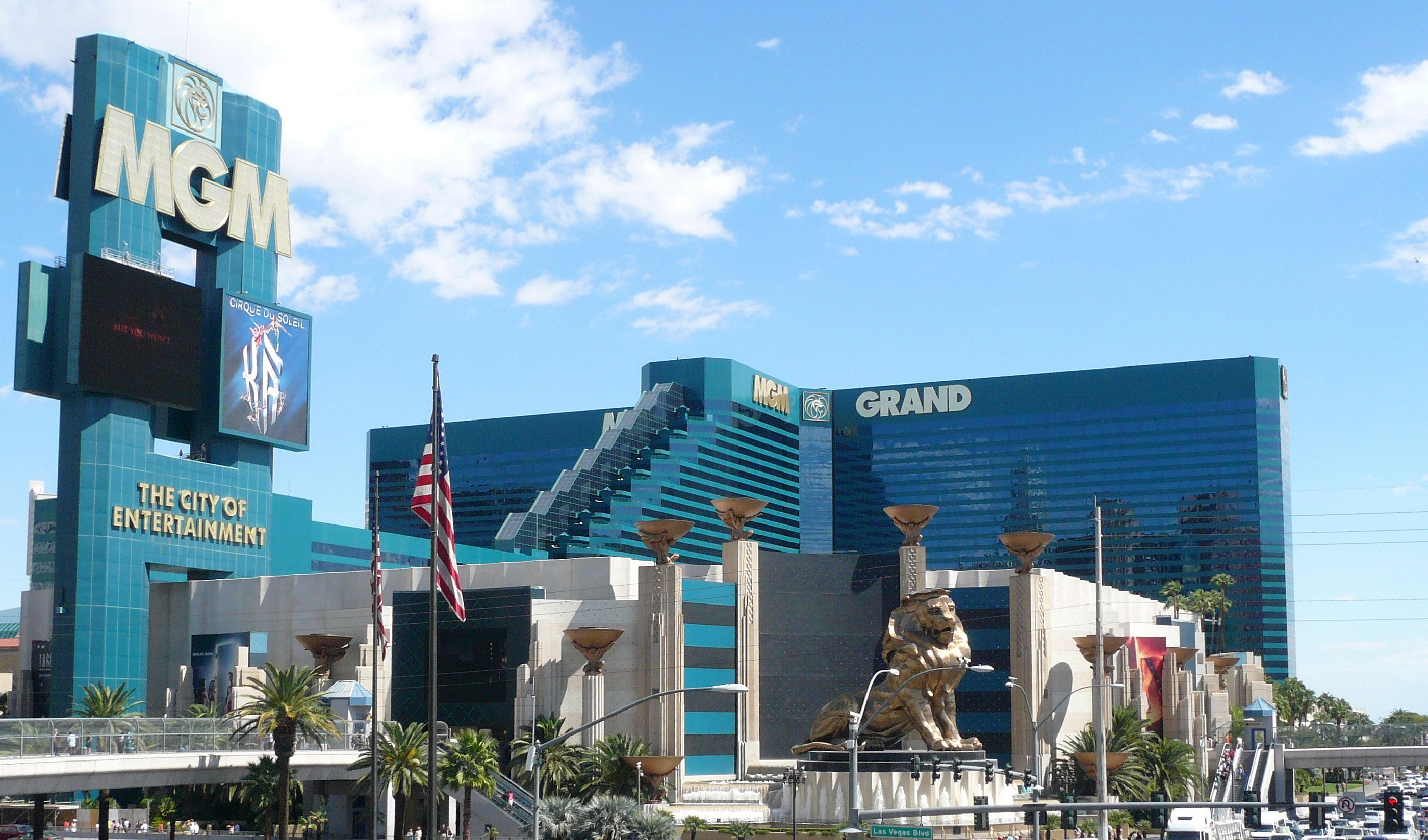 mgm grand casino net worth