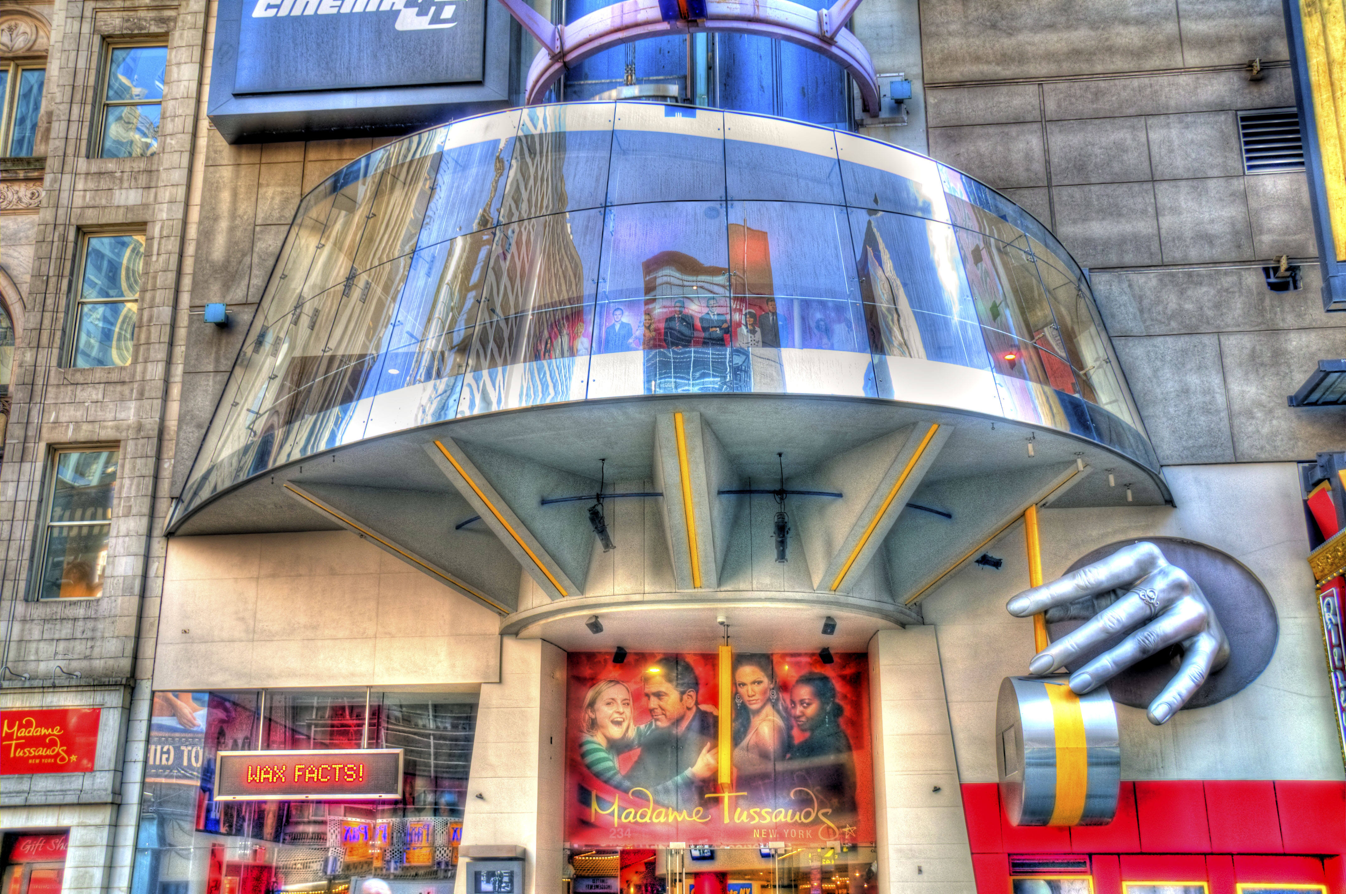 Madame tussauds new york museum in new york thousand wonders - The urban treehouse the wonder in the heart of berlin ...