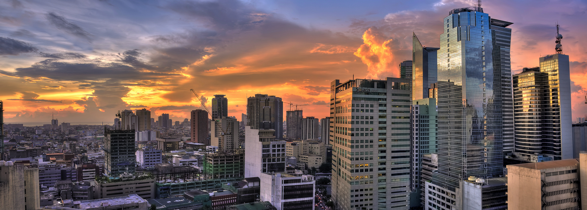 Makati city in metro manila thousand wonders for Wallpaper home philippines