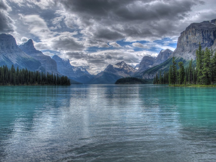 Maligne Lake at Spirit Island HDR - Maligne Lake