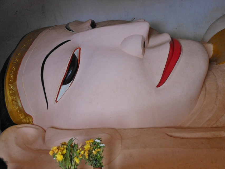 Reclining Happily - Manuha Temple