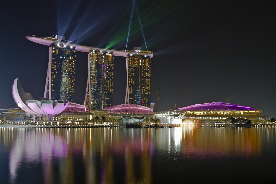 Marina Bay Sands Laser Show - Marina Bay Sands