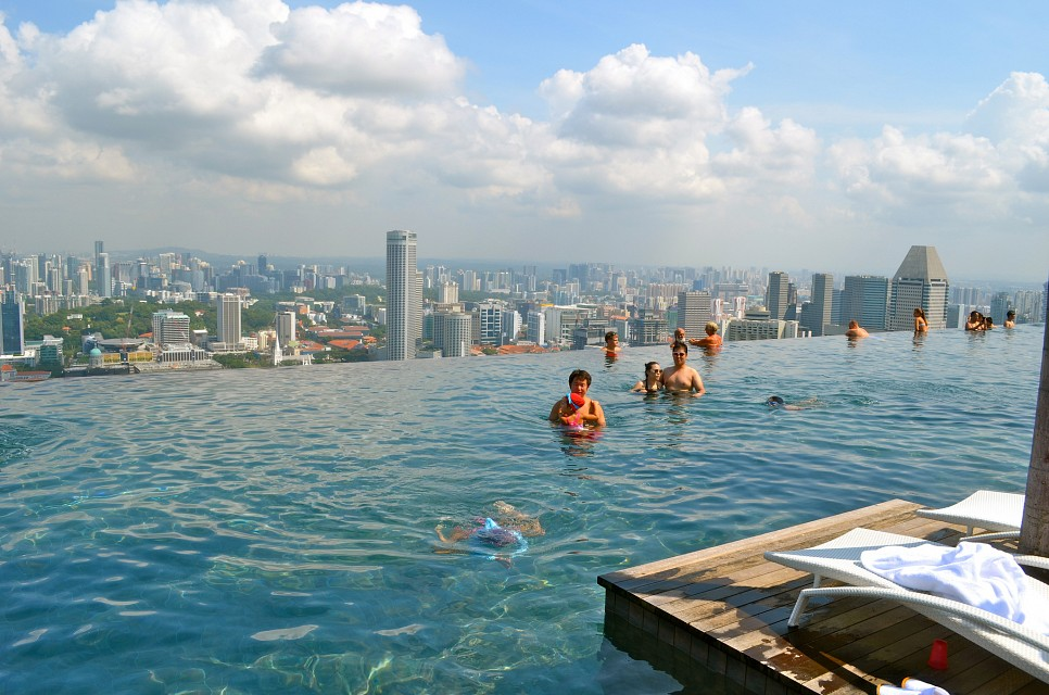 SkyPark Infinity Pool - Marina Bay