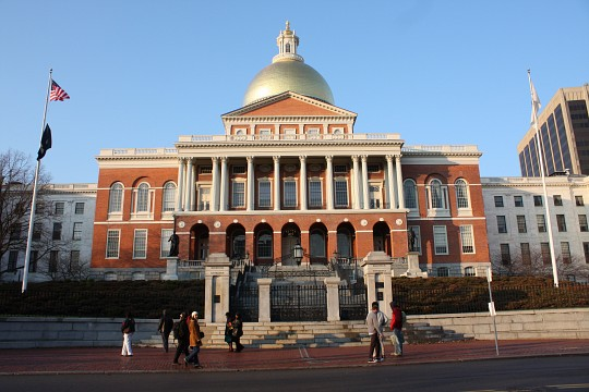 Faneuil hall public building in boston thousand wonders for Building a house in ma