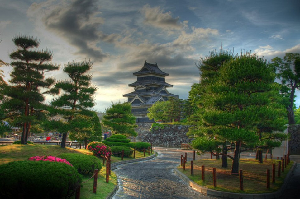 Japan through photomatix #7 - Matsumoto Castle