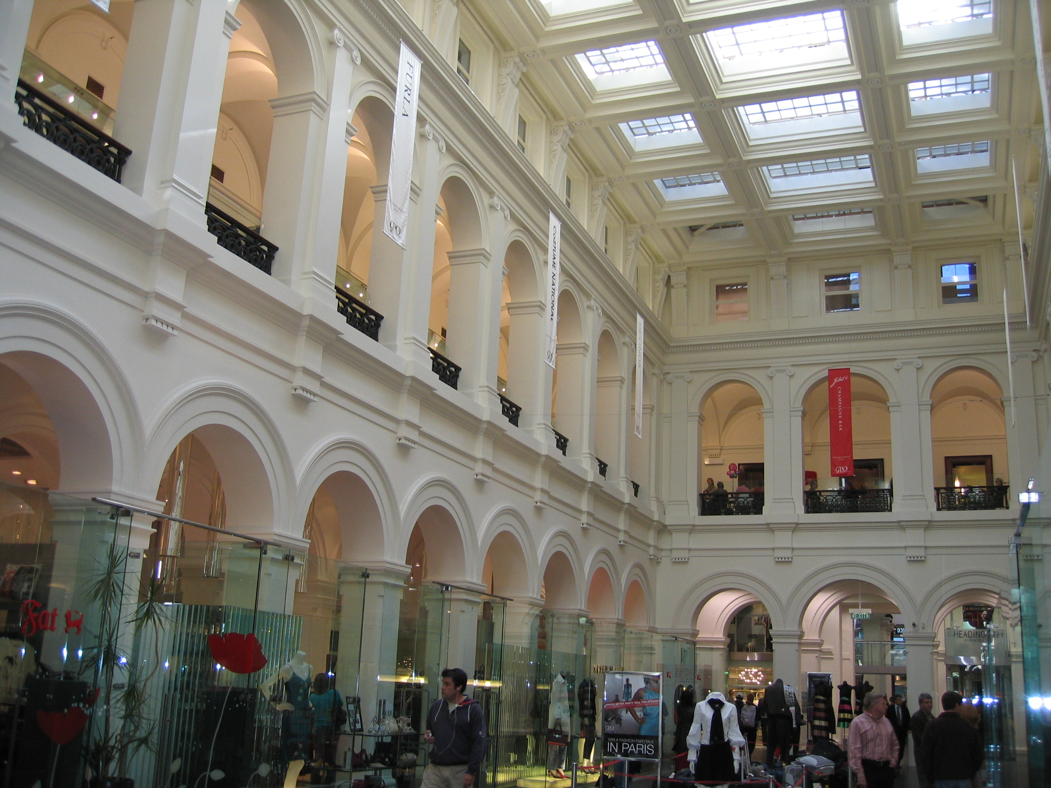 Melbourne S Gpo Shopping Mall In Melbourne Thousand