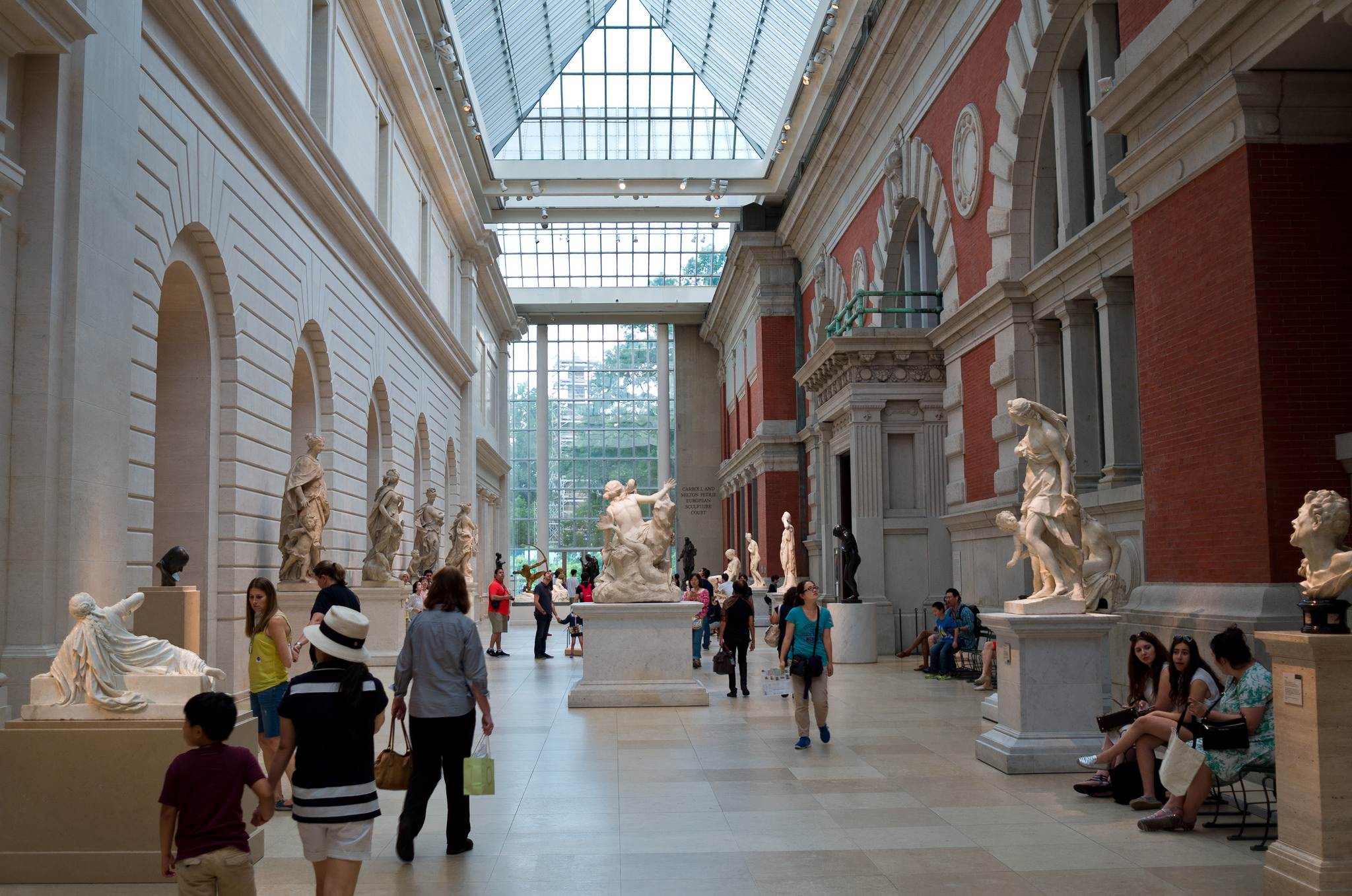 In financial crisis the met delays 600 m contemporary for Metropolitan museum of art exhibitions