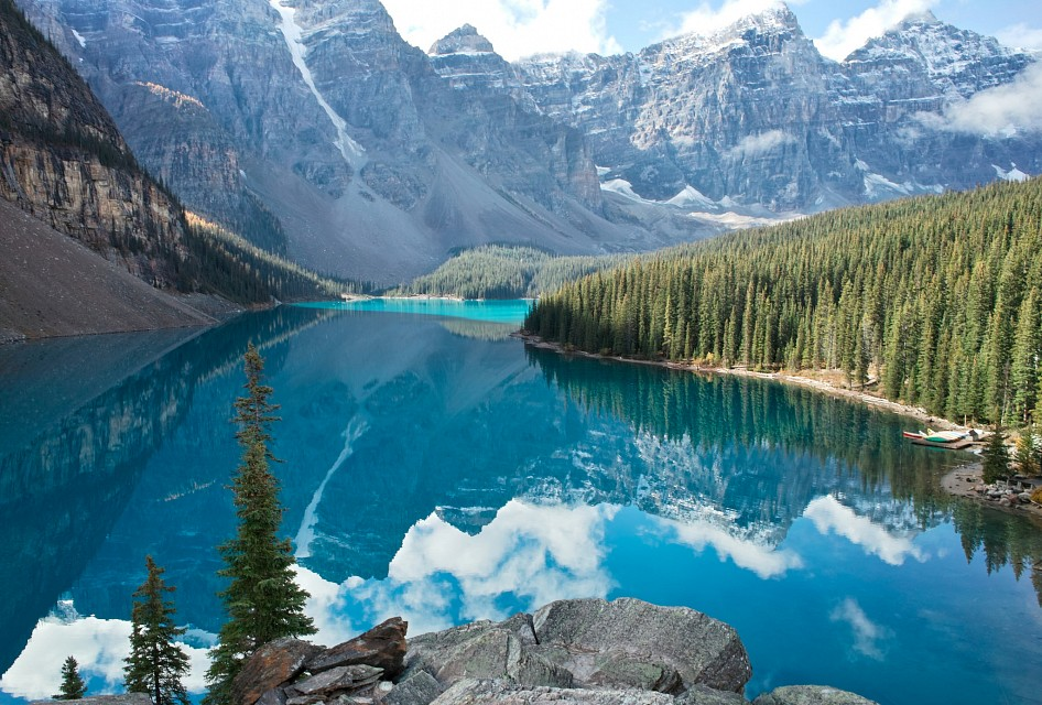 lake louise map google with Moraine Lake on Info niagara likewise Mt Norquay Opening Day as well Maligne Lake likewise El Paso Texas Location On Map furthermore 676645.