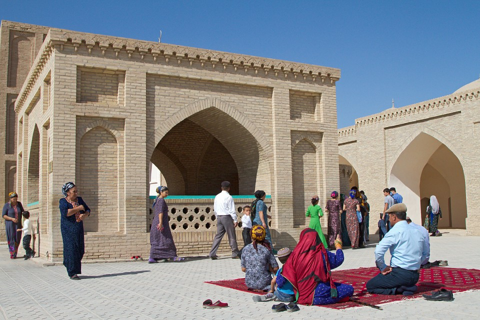Golden Eagle Silk Road - Mosque Of Yusuf Hamadani