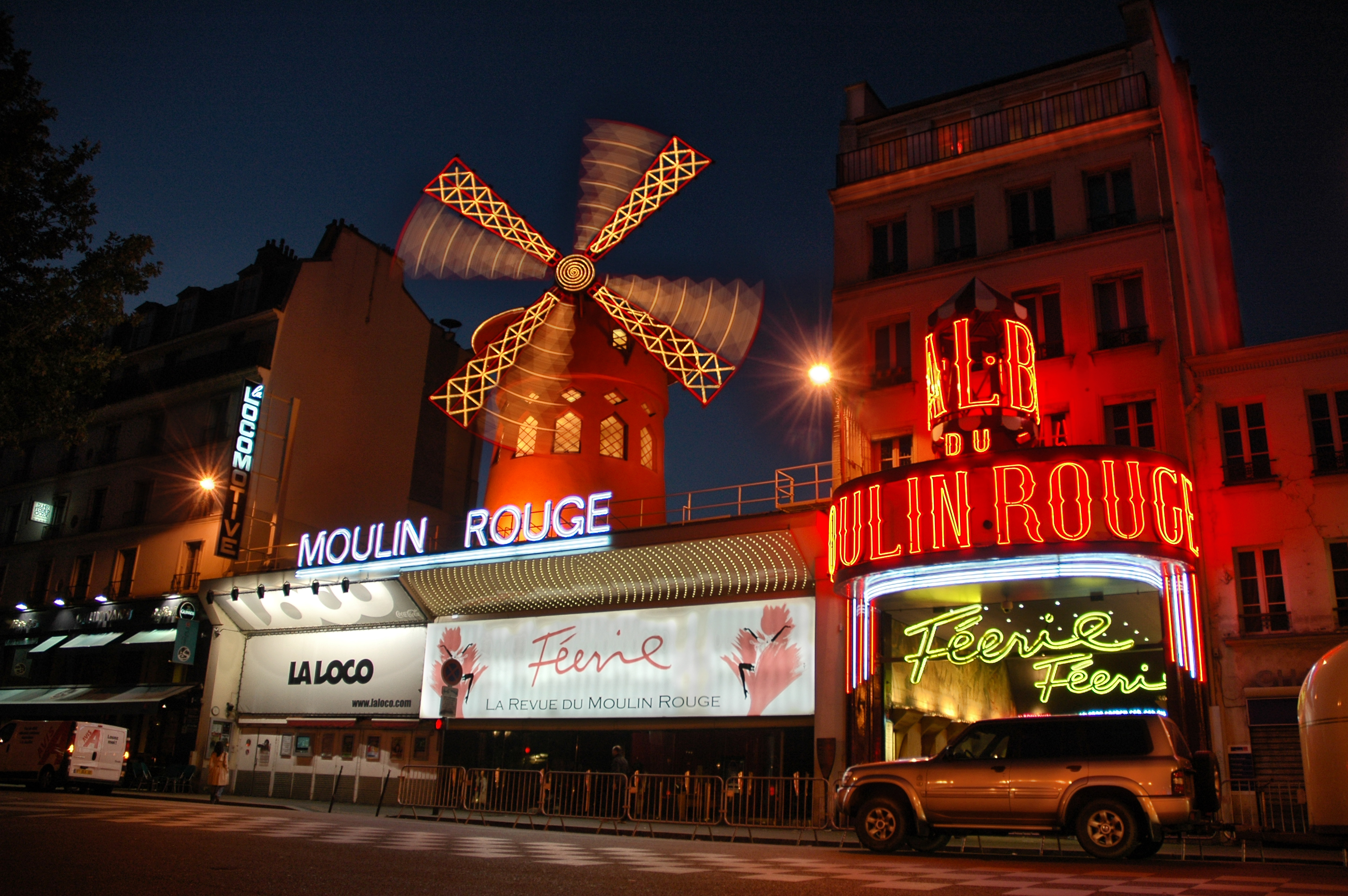 Moulin Rouge Opera House In Paris Thousand Wonders