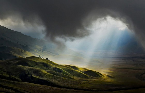 Mount Bromo, East Java, Indonesia in the morning_Dr_CarmenRodriguez - Mount Bromo