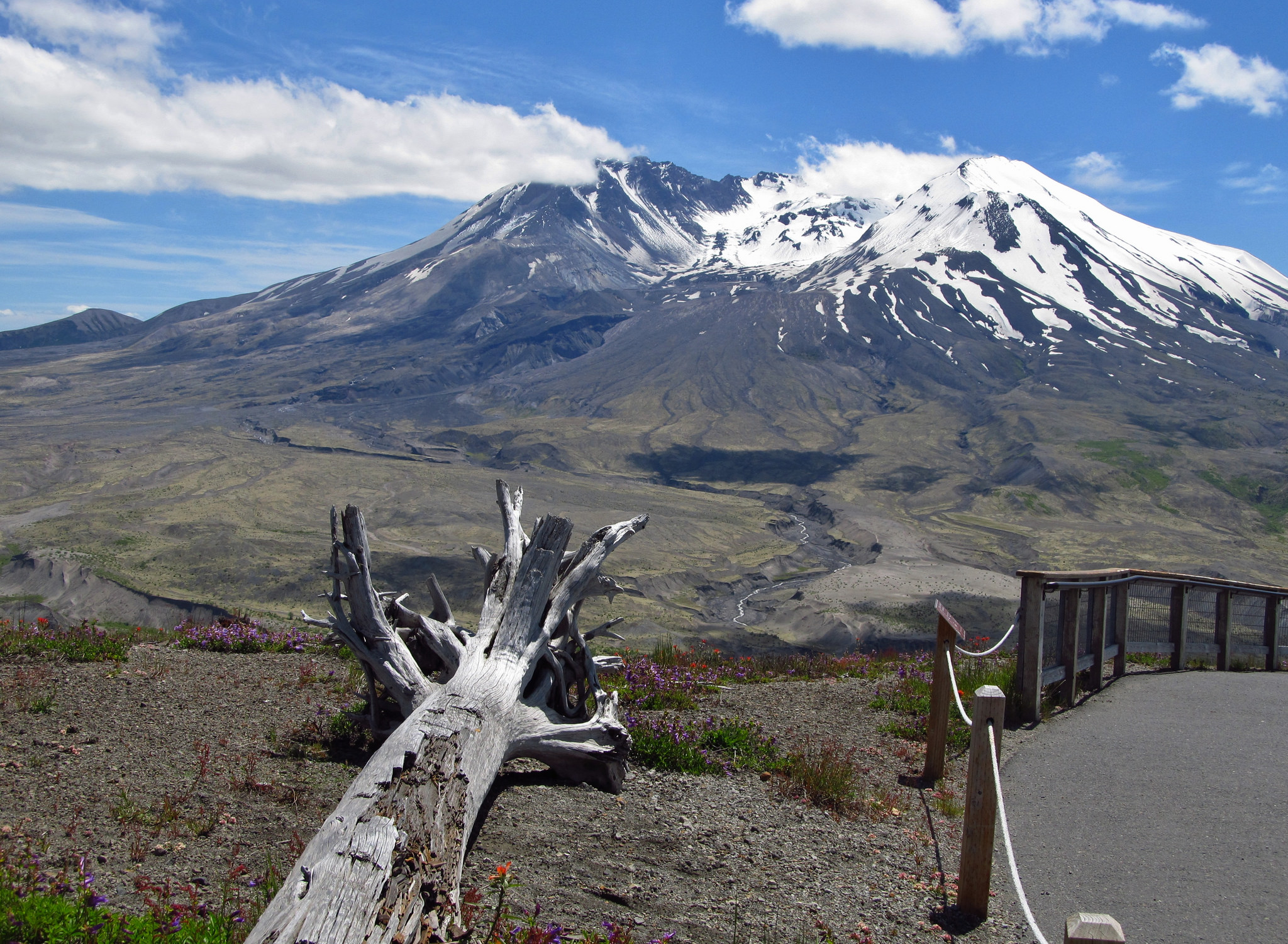 mount st helens Thirty years after mount st helens blew its top, the peak is still the second most dangerous volcano in the united states, according to.