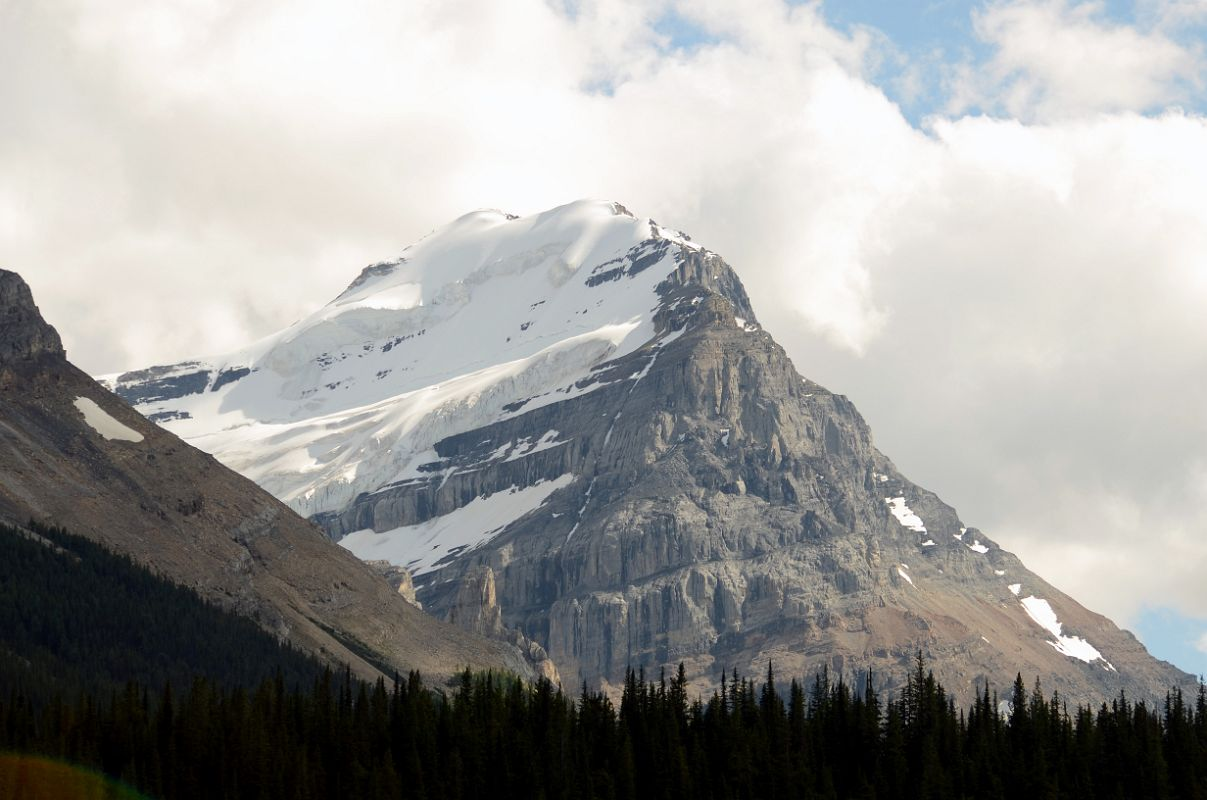 mount victoria - mountain in canada