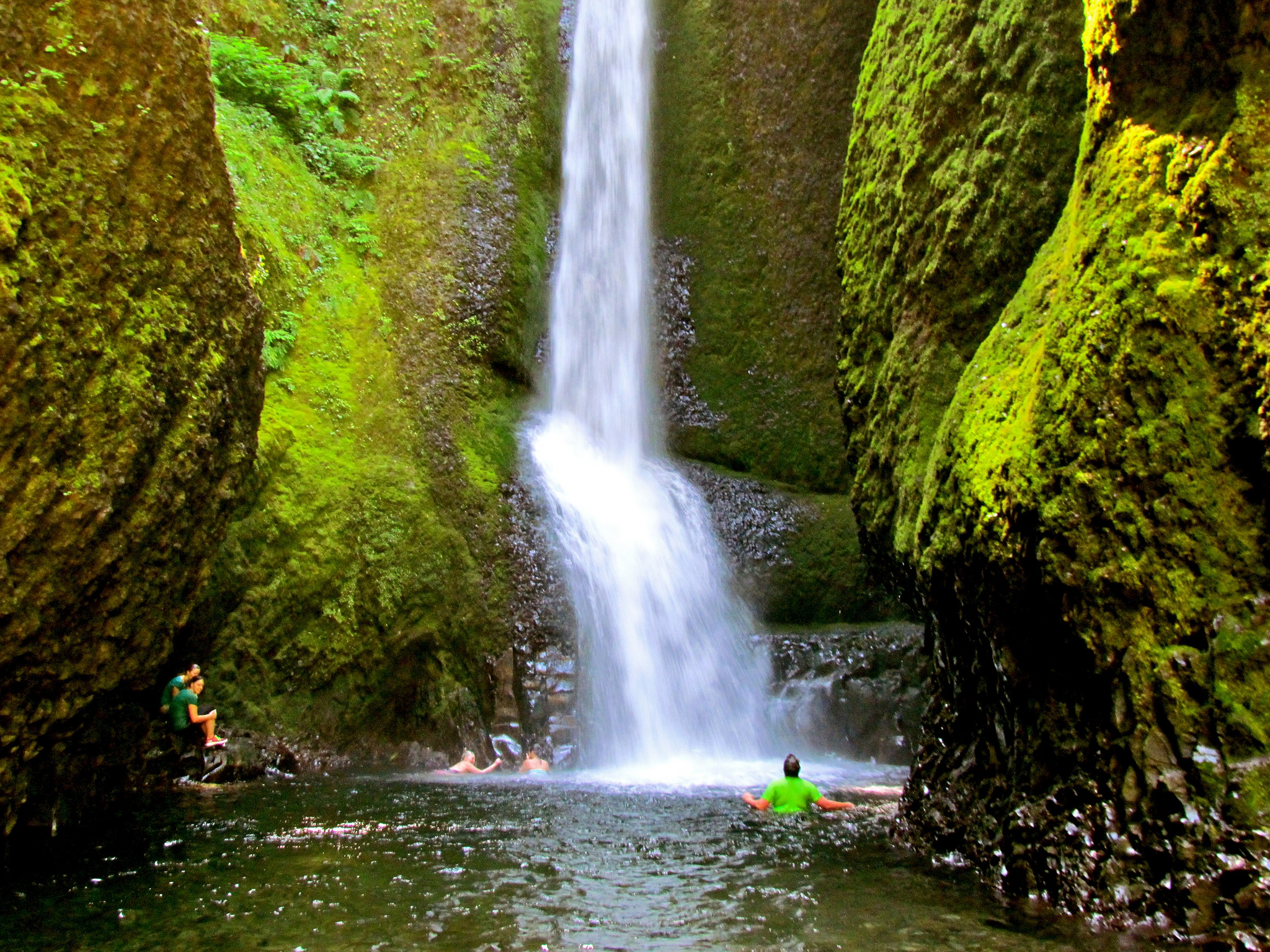 Oneonta Gorge Waterfall In Oregon Thousand Wonders