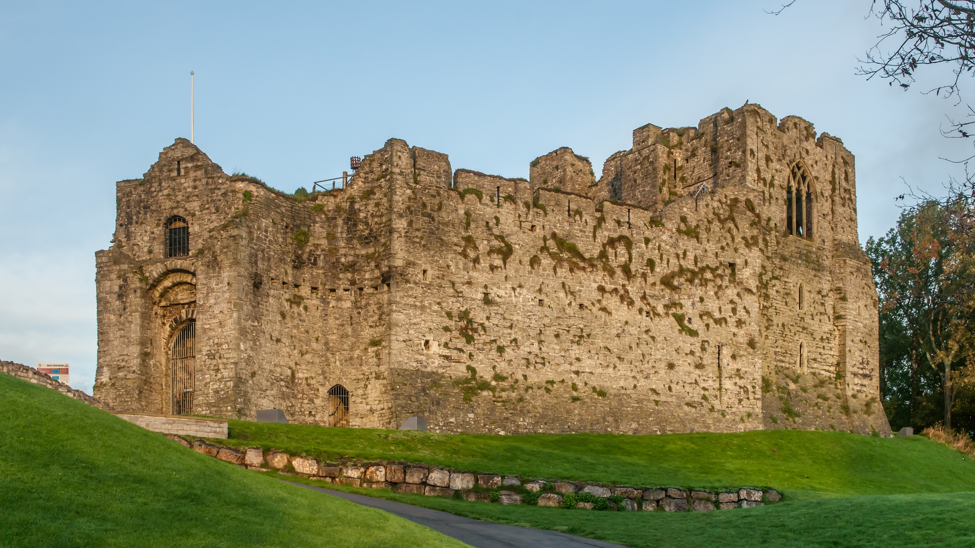Oystermouth Castle - Castle in Wales - Thousand Wonders