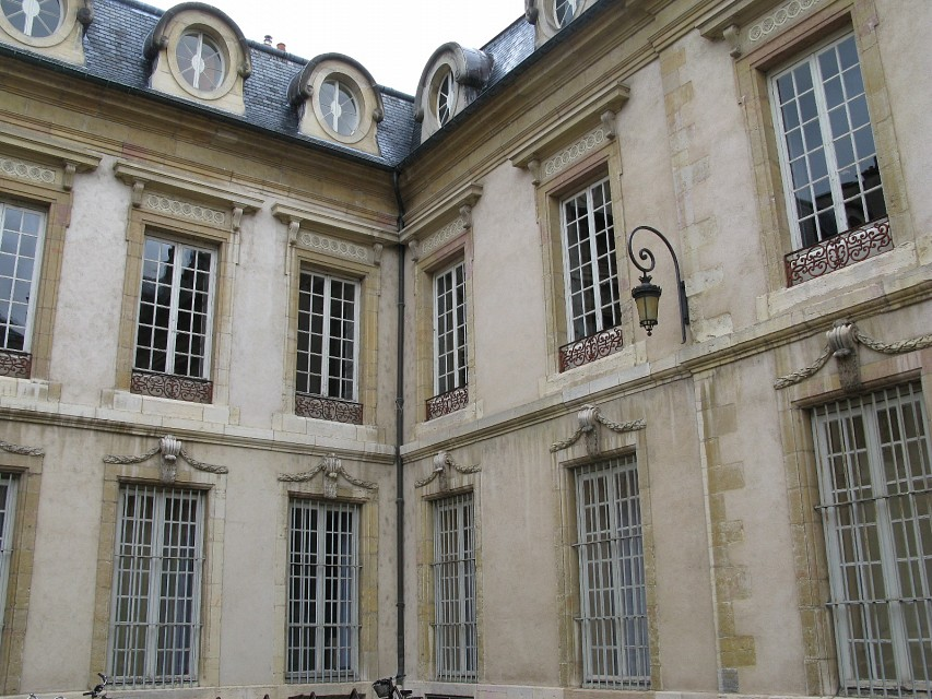 Palace of the Dukes of Burgundy - Palace of the Dukes of Burgundy