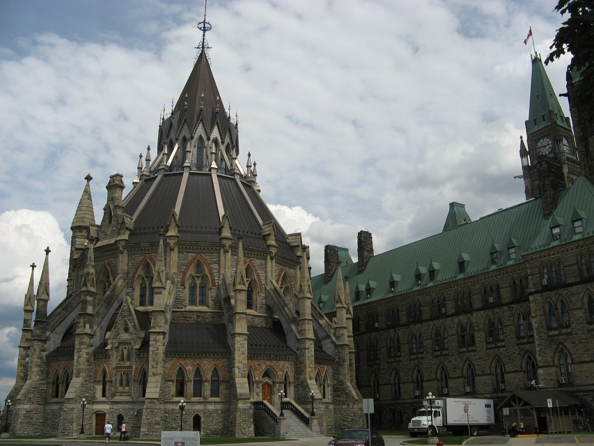 Walking around Parliament - Parliament Hill