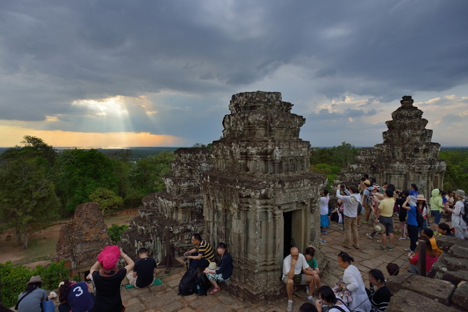 Sunset at Phnom Bakheng - Phnom Bakheng