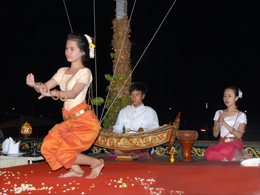 Traditional Dance - Phnom Penh