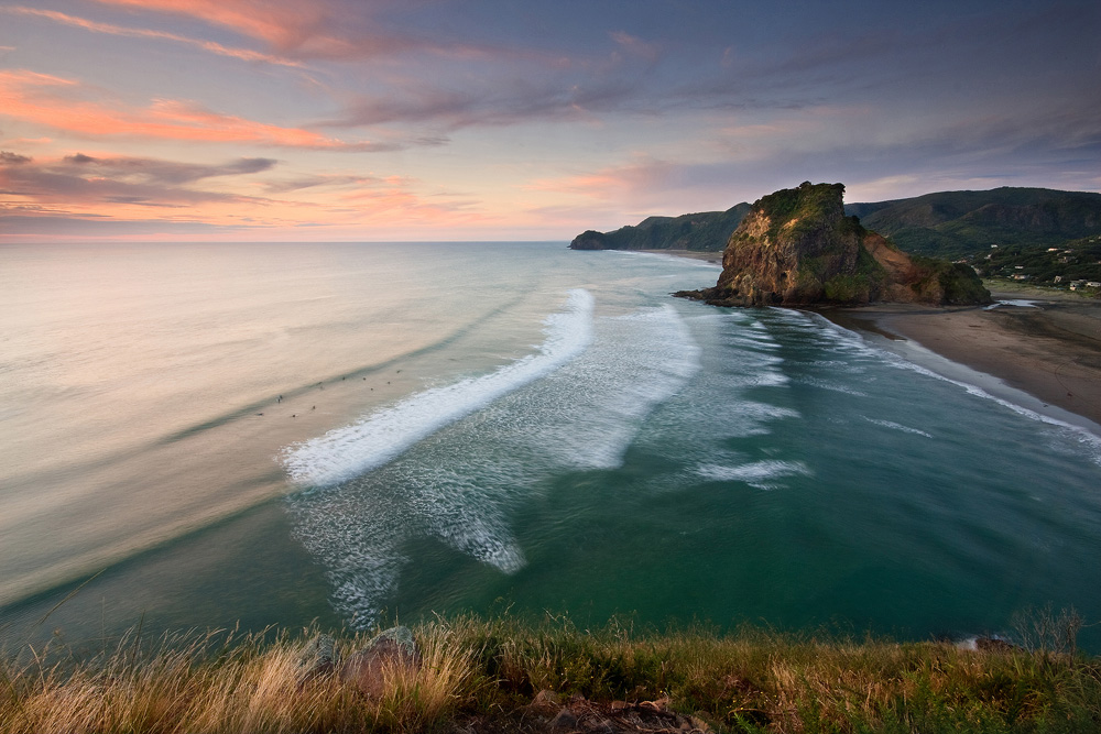 Piha beach in new zealand thousand wonders for Landscaping auckland
