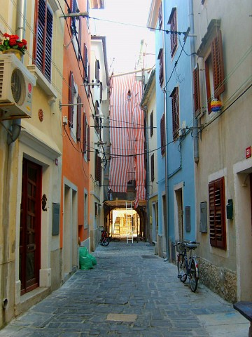 Old narrow streets - Piran