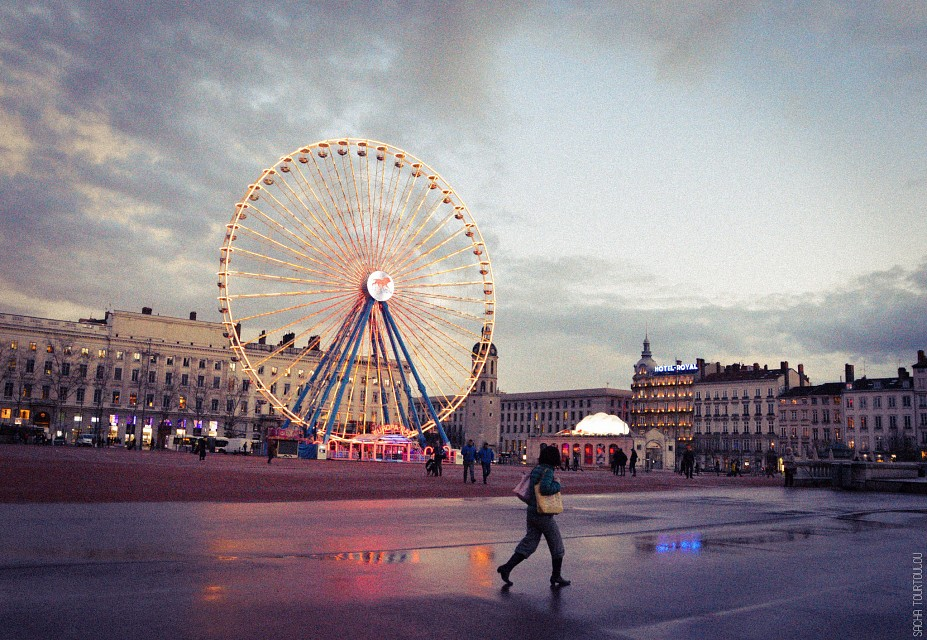 Ferris wheel - Place Bellecour