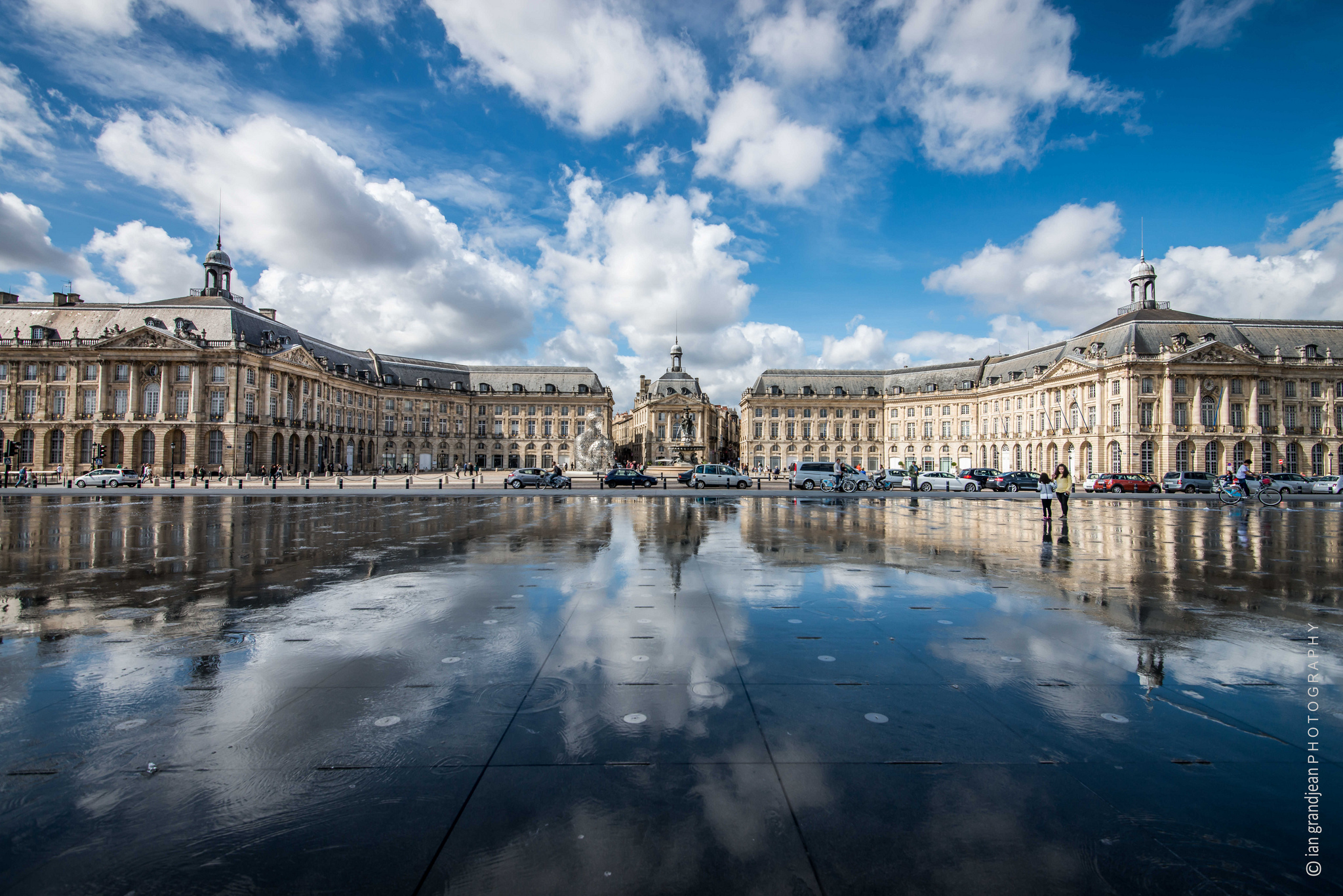 Place de la bourse plaza in bordeaux thousand wonders for Bordeaux france