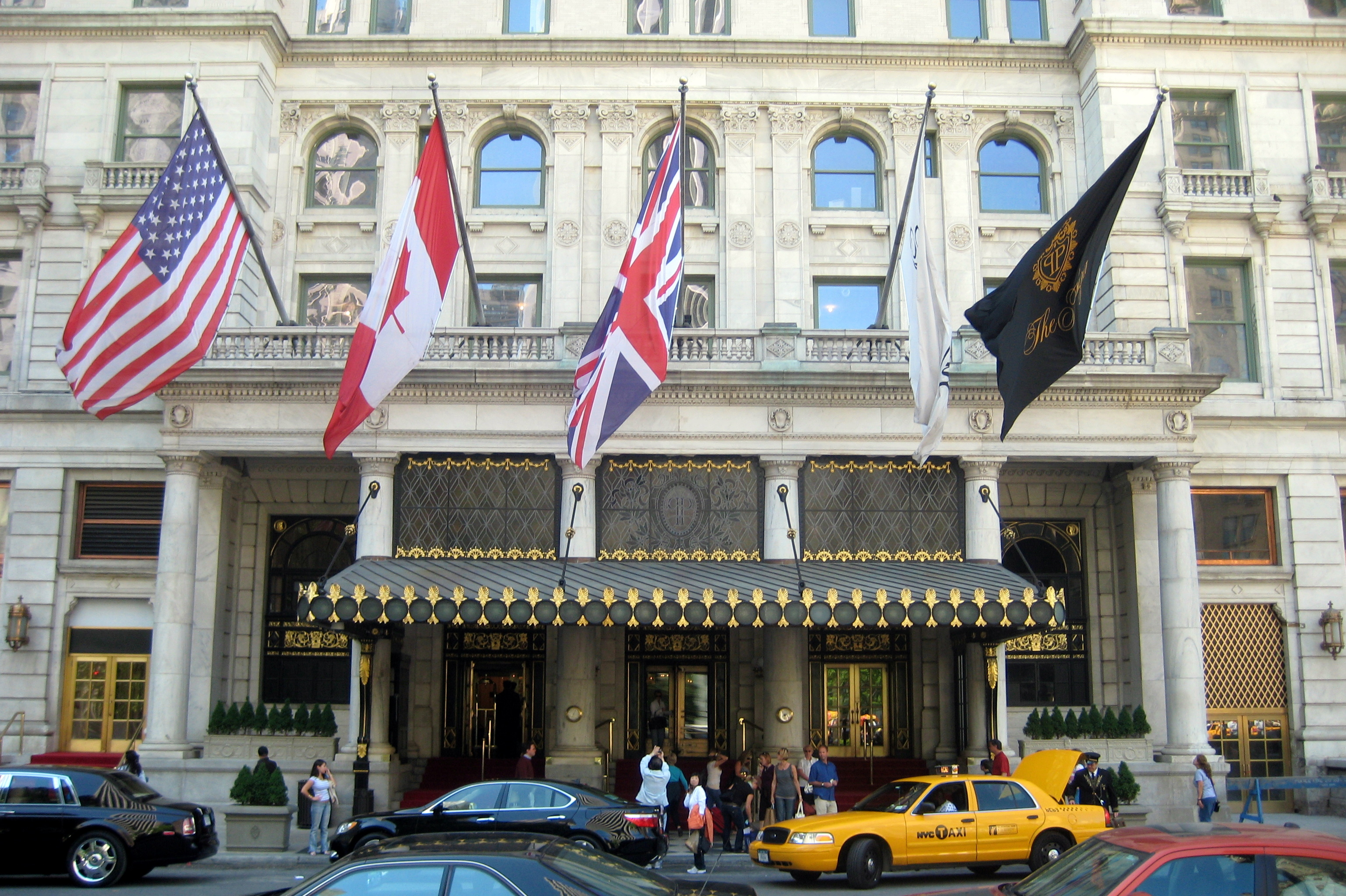 plaza hotel hotel in new york city thousand wonders. Black Bedroom Furniture Sets. Home Design Ideas