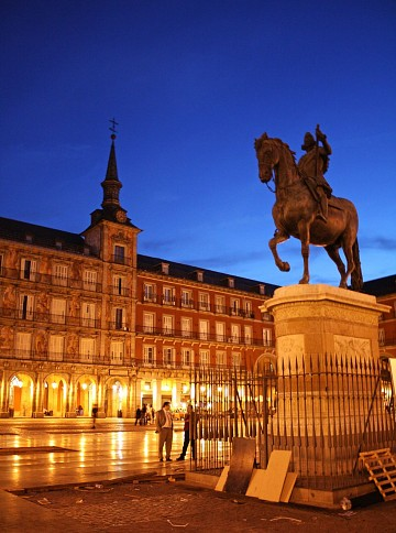 Night in Madrid, Plaza
