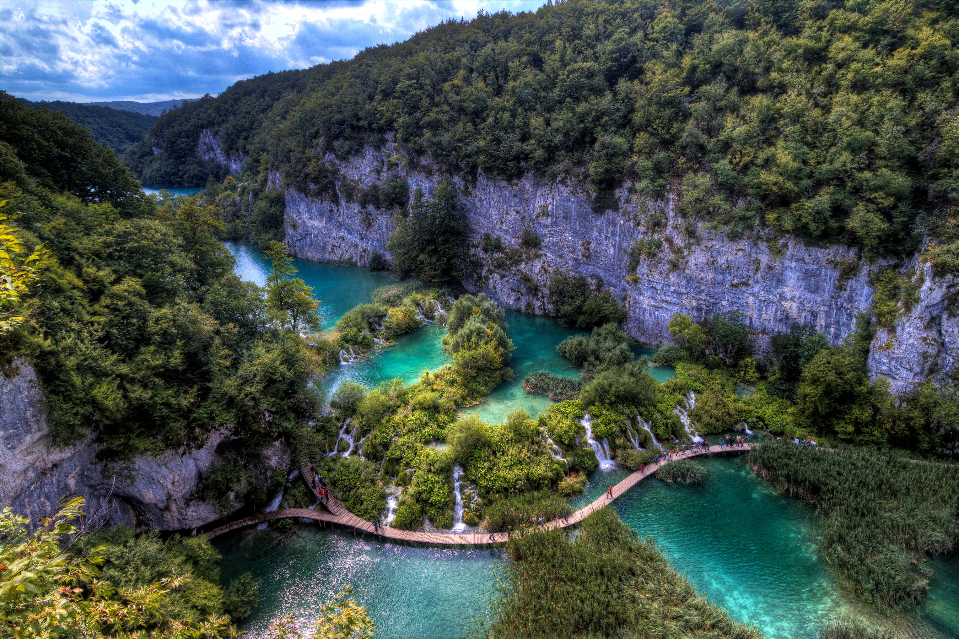 Lieblings Plitvice Lakes National Park - Waterfall in Croatia - Thousand Wonders #ND_17
