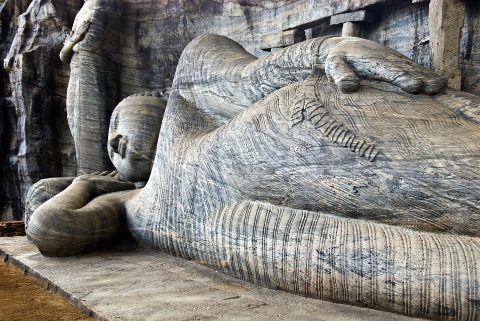 Polonnaruwa (පොළොන්නරුව) Sri Lanka UNESCO World Heritage Site - Polonnaruwa