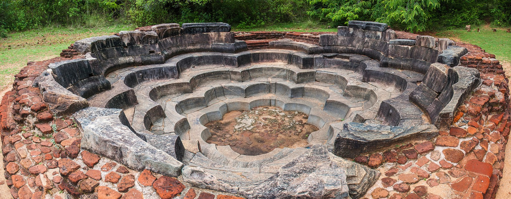 Lotus Bath at the ancient city of Polonnaruwa - Polonnaruwa