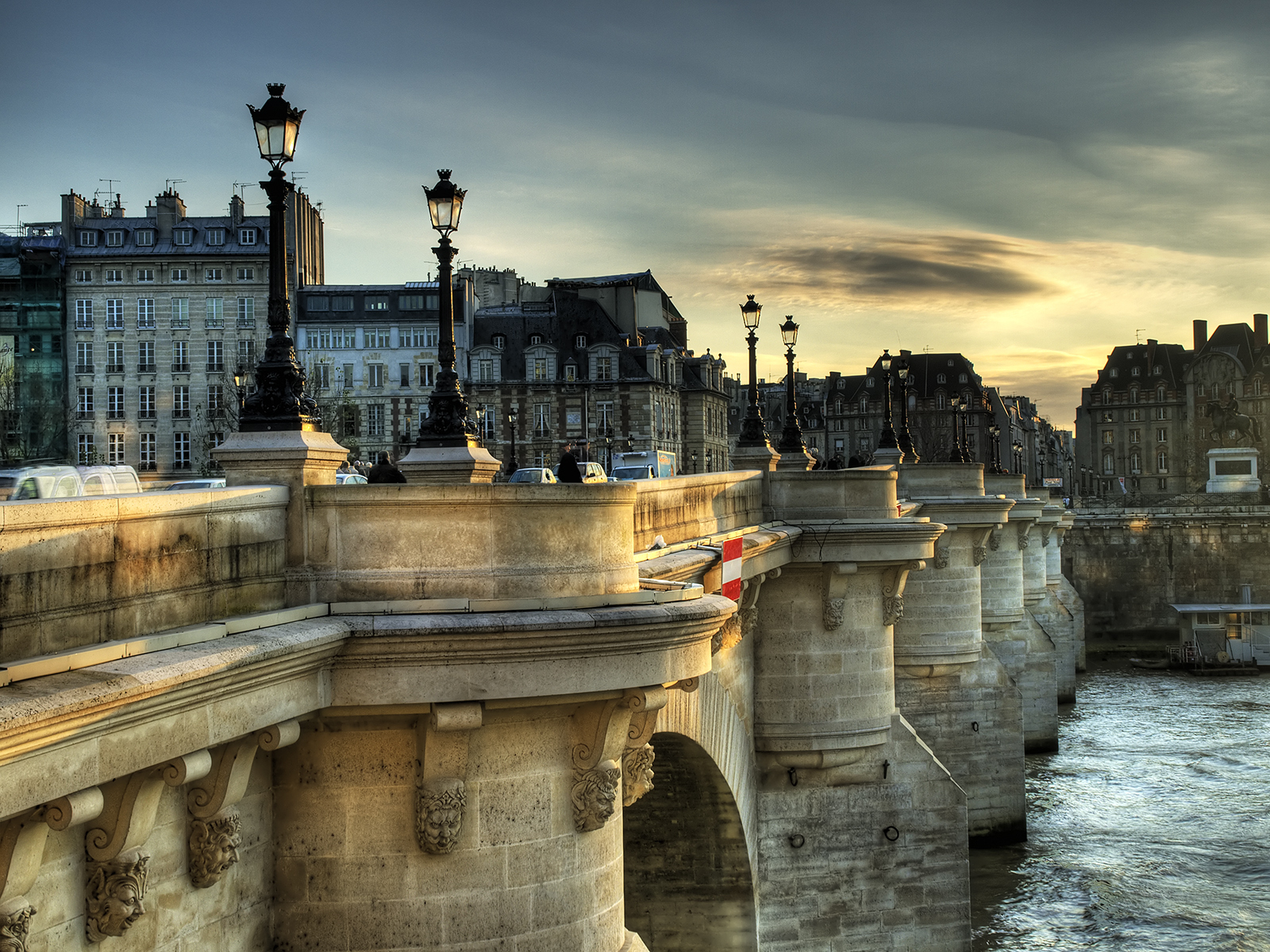 pont neuf bridge in paris thousand wonders. Black Bedroom Furniture Sets. Home Design Ideas