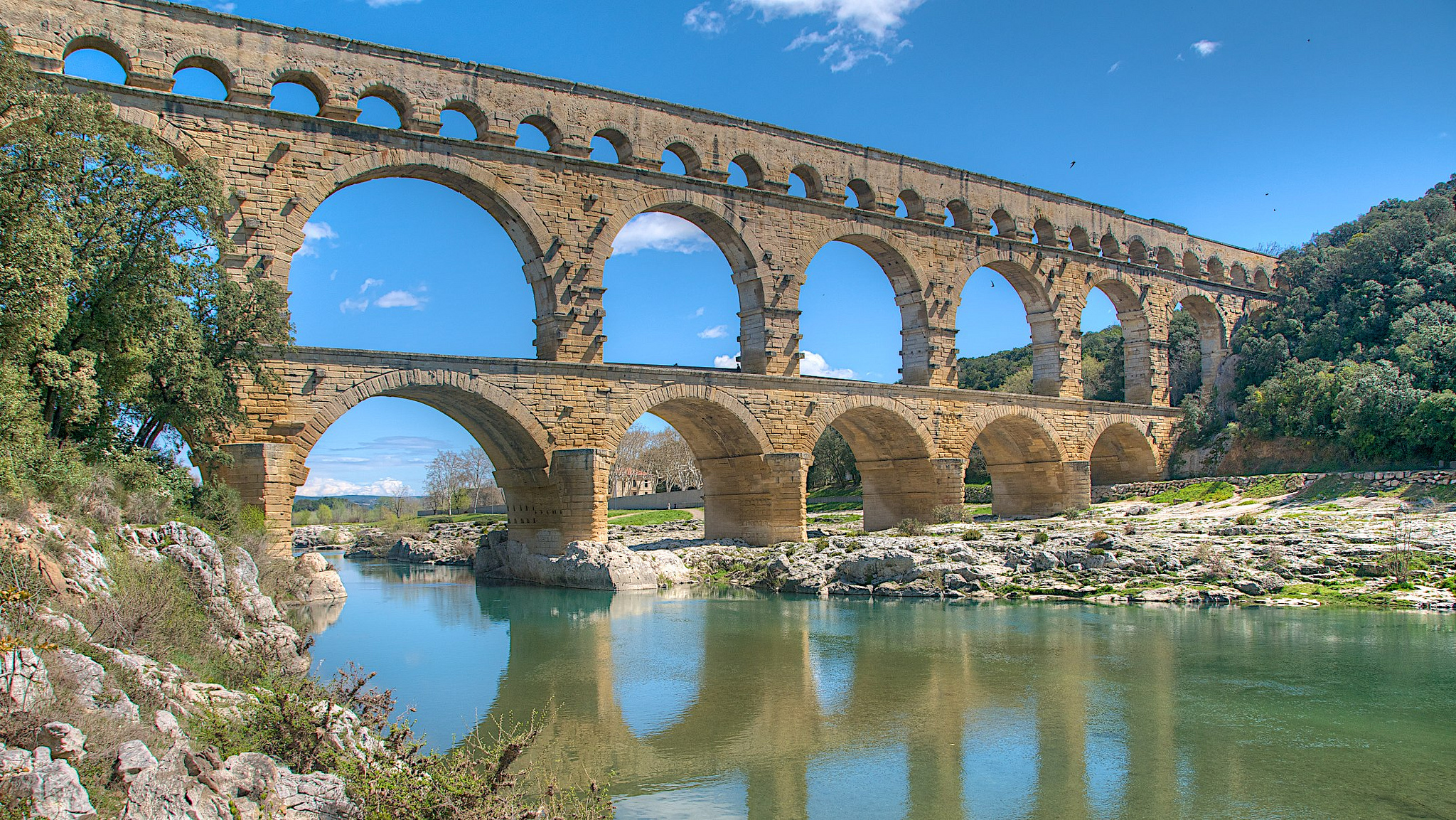 pont du gard bridge in france thousand wonders. Black Bedroom Furniture Sets. Home Design Ideas