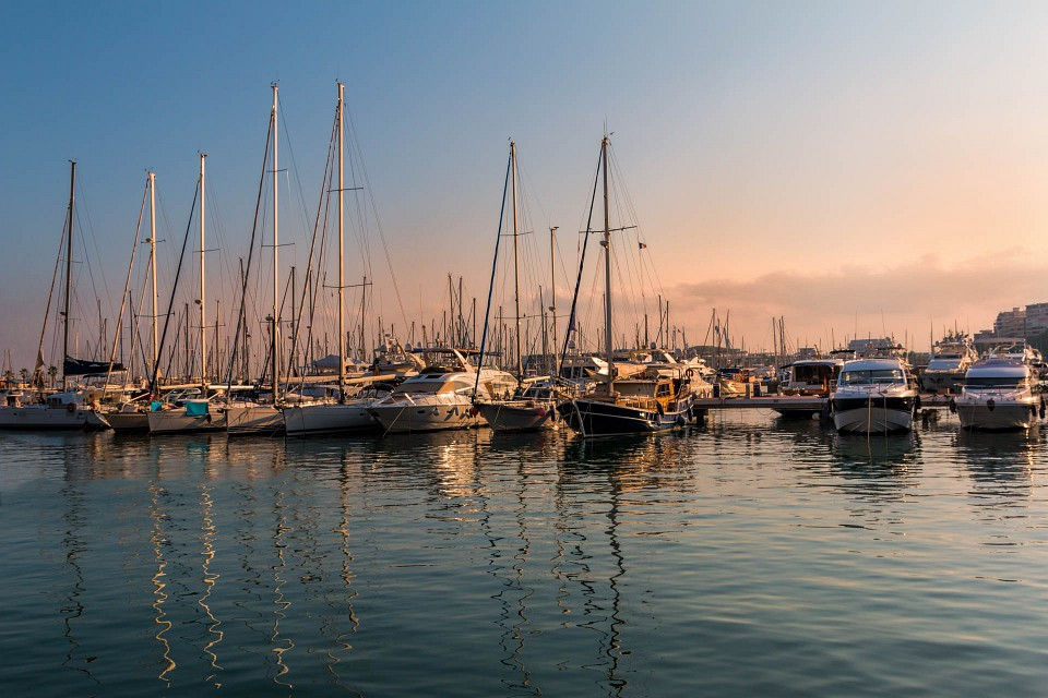 The port in the golden hour - Port of Alicante
