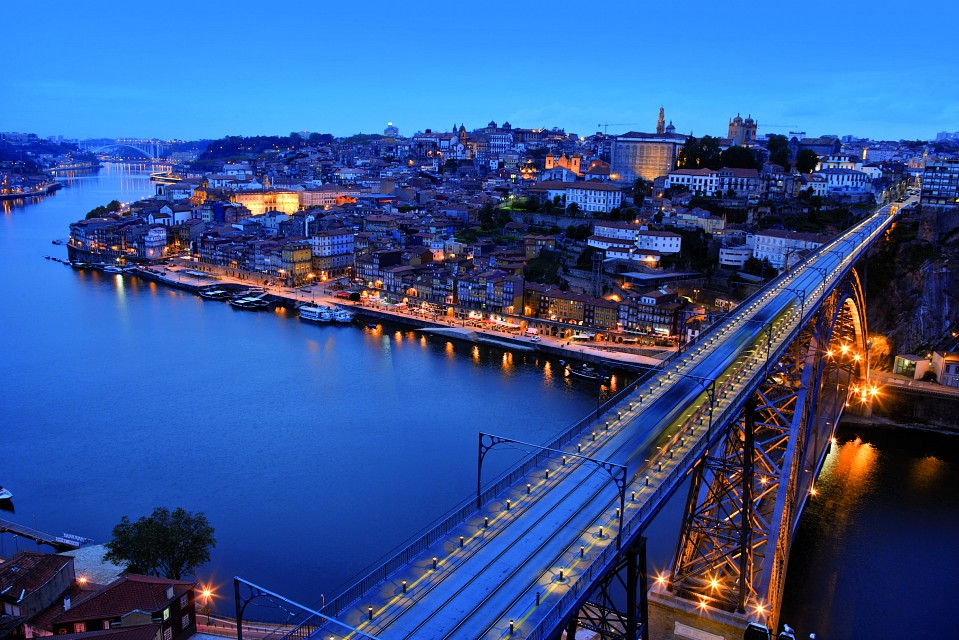 By night - Porto