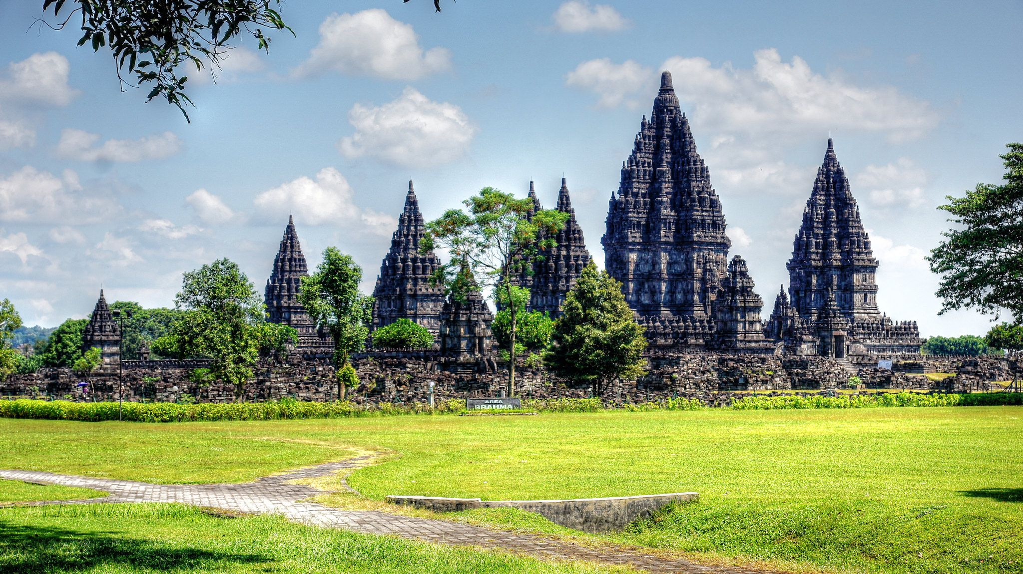 Prambanan - Temple in Indonesia - Thousand Wonders