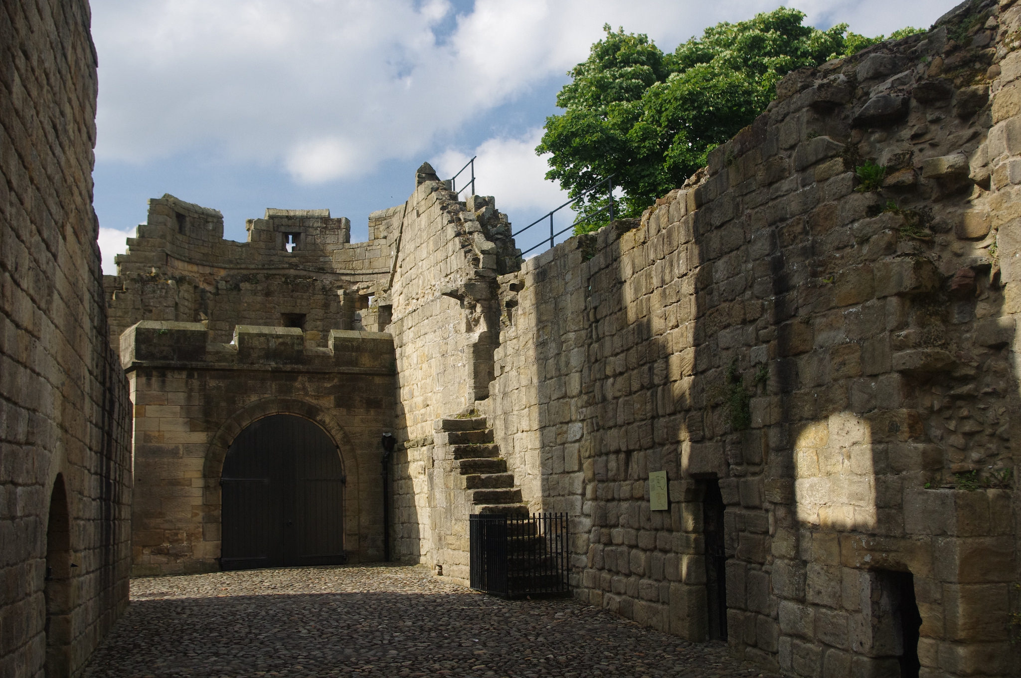 prudhoe castle ruin in england thousand wonders