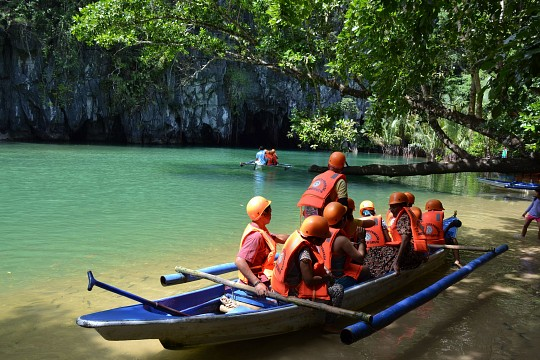 Another group leaves - Puerto Princesa Subterranean River National Park