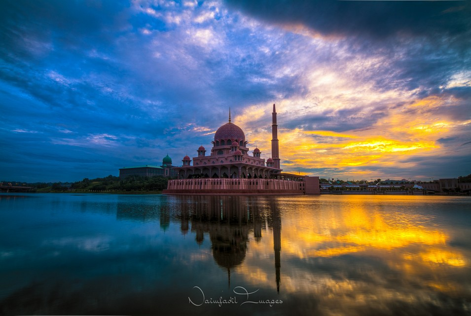 T.I.M.E. (HDR version) - Putra Mosque