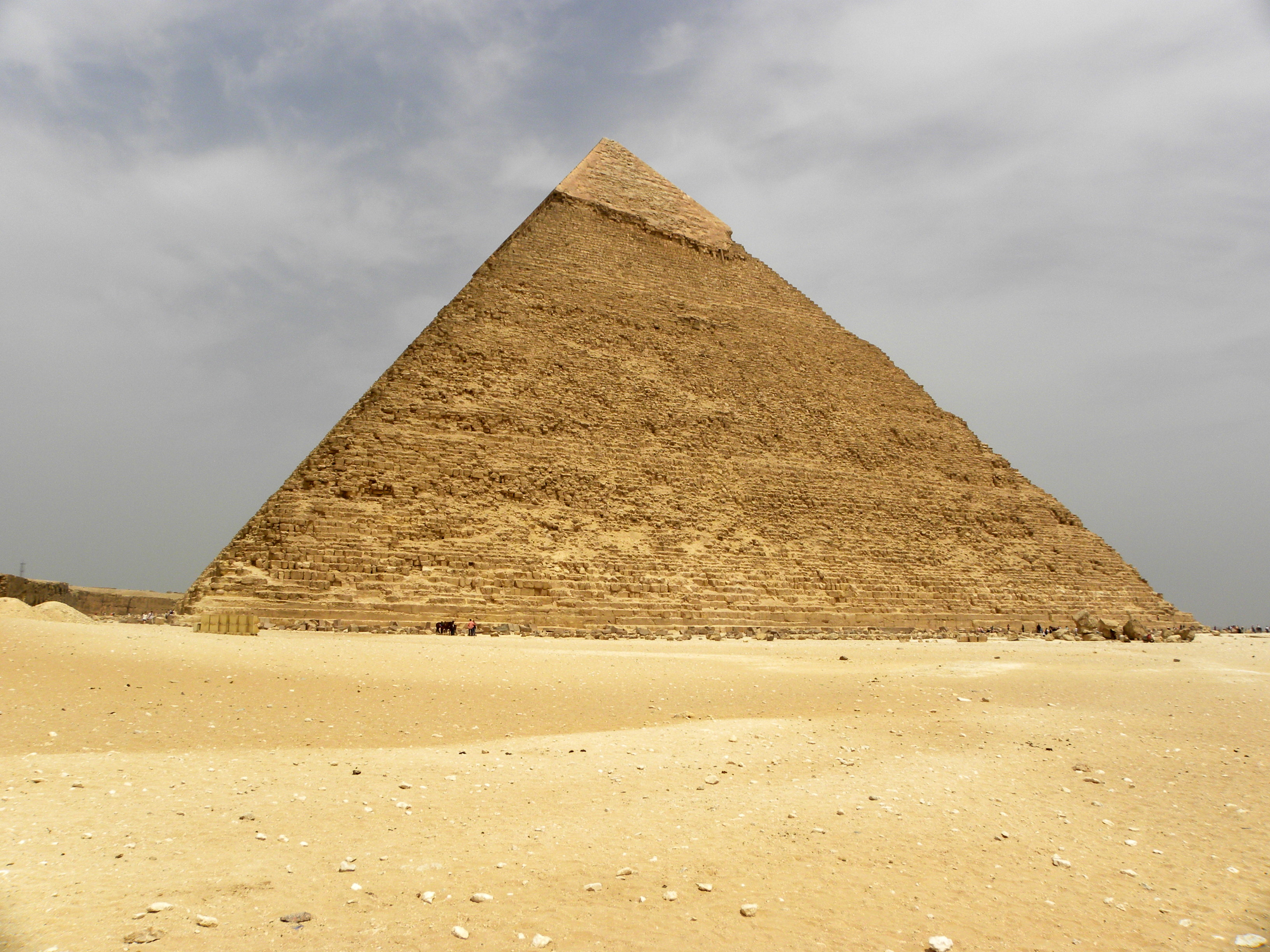 Pyramid Of Khafre Monument In Cairo Thousand Wonders