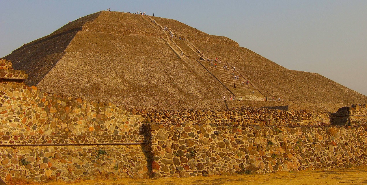 "Teotihuacan - ""the place where men become gods"" (pt. 1) - Pyramid of the Sun"