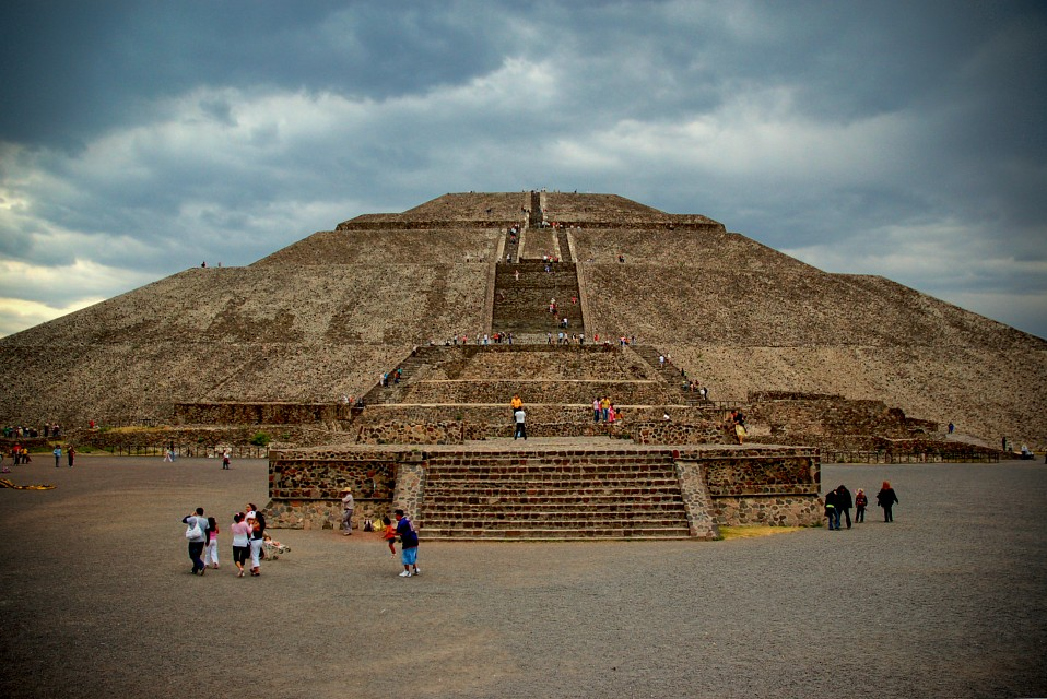 pyramid of the sun, under the clouds - Pyramid of the Sun