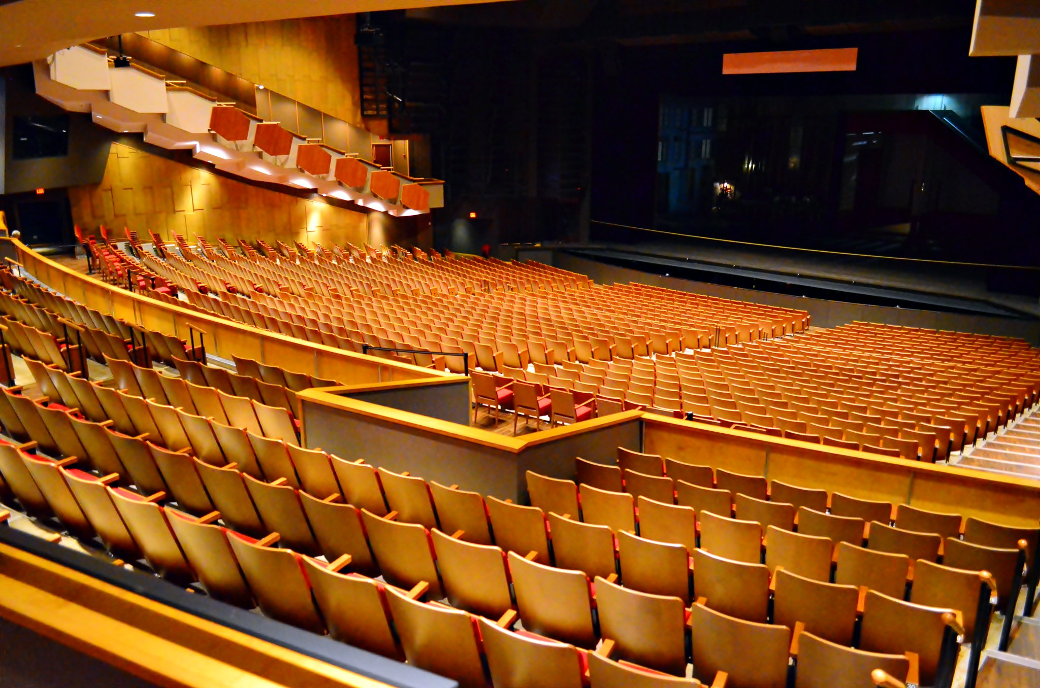 queen elizabeth theatre amphitheater in vancouver. Black Bedroom Furniture Sets. Home Design Ideas