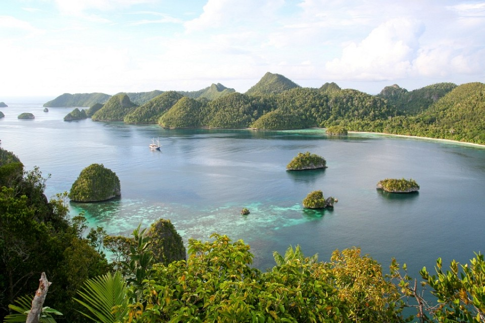 Wayag - Raja Ampat Islands