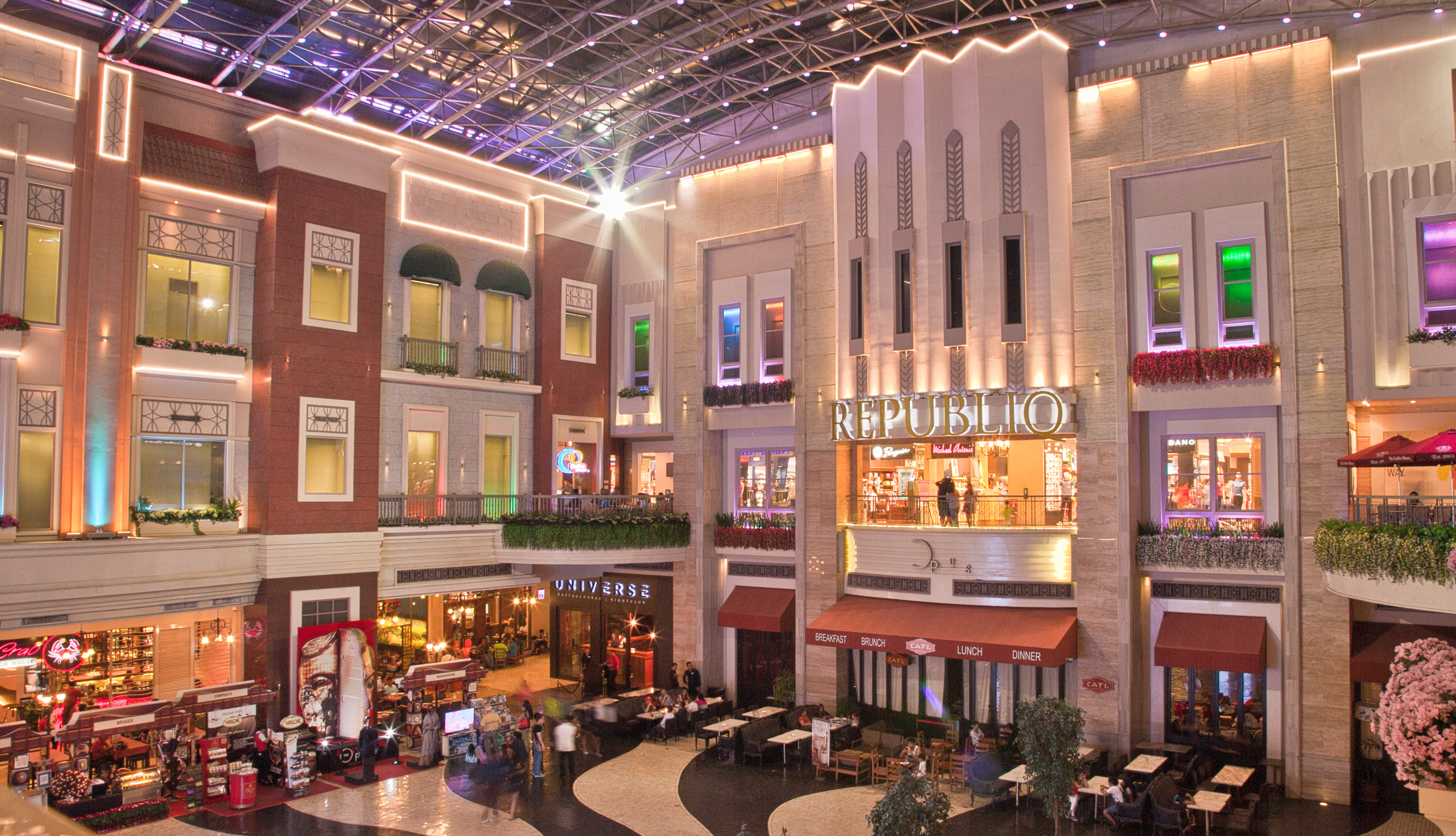 Resorts world manila shopping mall in metro manila thousand wonders resorts world manila solutioingenieria Image collections